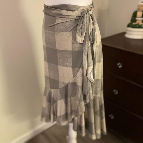 Lularoe wrap skirt
